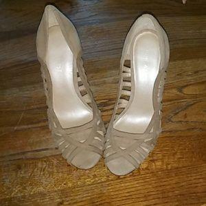 Tan size 6 heels nine west